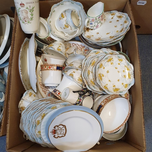 532 - A Royal Doulton Reflection pattern part dinner service, other ceramics and items (qty)