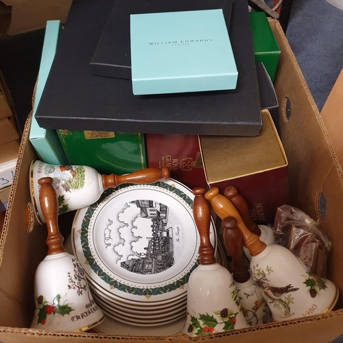 539 - A Bradford Exchange collectors plate, a golden year, other Bradford Exchange collectors plates and i...