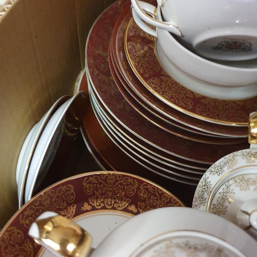 552 - A pair of Staffordshire flat back spaniels, a Royal Doulton part dinner service, other ceramics and ...