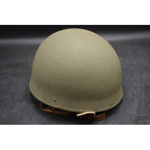 257 - WW2 British Army Dispatch Rider's Helmet 1942 (BMB Size 6.25) This Item is in excellent Condition Bo...