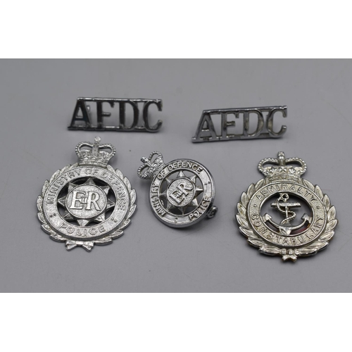 52 - Selection of Badges to include Ministry of Defence, Admiralty police Cap, MOD Collar Badge and a Pai...