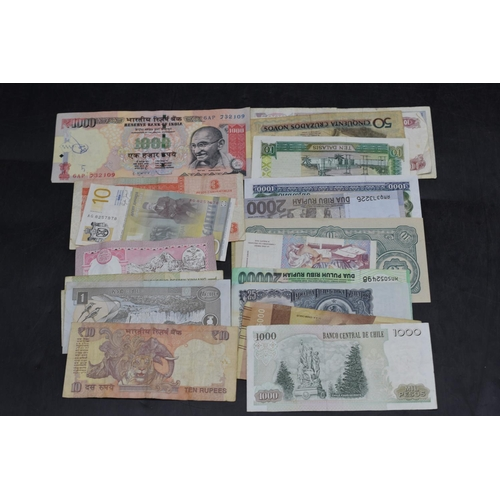 31 - Selection of 25 Mixed Worldwide Bank Notes...