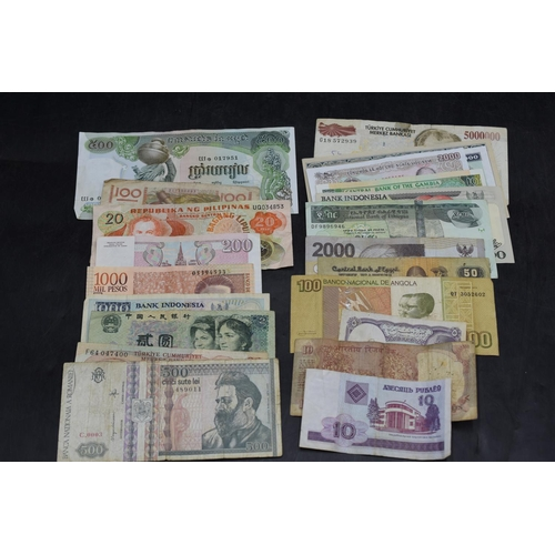34 - Selection of 25 Mixed Worldwide Bank Notes...