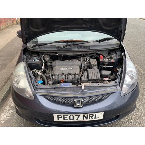 1 - Honda Jazz SE CVT 5 Door Hatchback Petrol Car. First Registered 27/03/2007 comes with Automatic Gear...