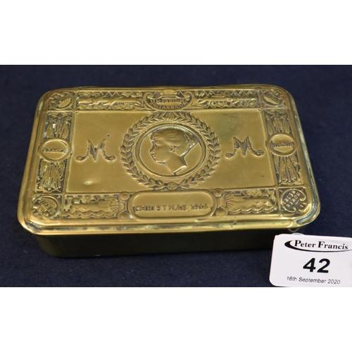 42 - First World War period 'Princess Mary's' brass cigarette box, Christmas 1914. (B.P. 21% + VAT)...