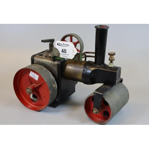 40 - Mamod live steam model steam roller. (B.P. 21% + VAT)