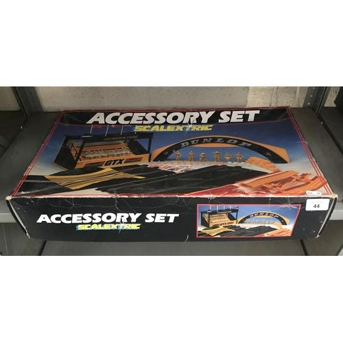44 - Scalextric accessory set