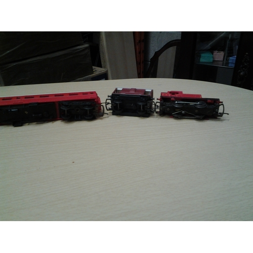 2 - Cracking Vintage Triang Train, Waggon And Coach...