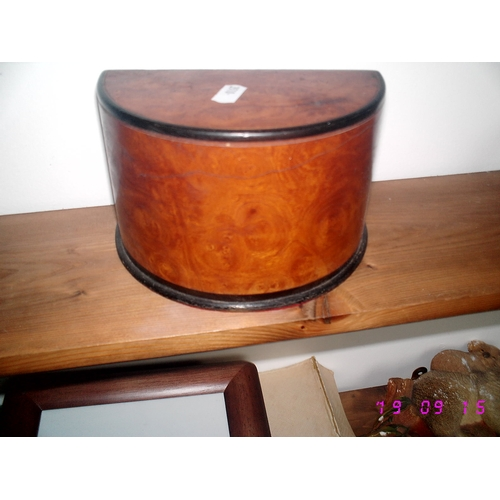 6 - LOVELY WOODEN CRECENT SHAPED DESK ORGONISER...
