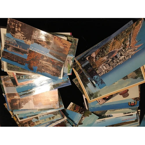 8 - CRACKING LARGE COLLECTION OF VINTAGE POSTCARDS...