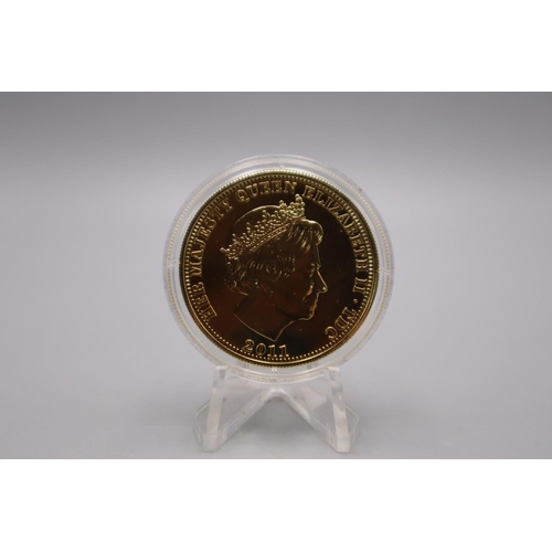 23 - LOVELY Gold Plated Commemorative One Crown in Case and Coin case...