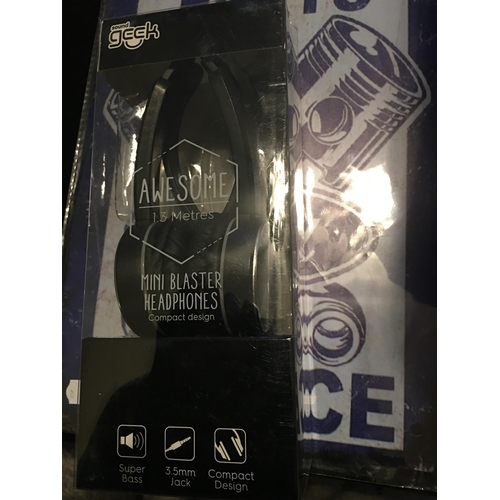 26 - NEW PAIR OF SOUND GEEK AWESOME MINI BLASTER HEADPHONES IN BLACK