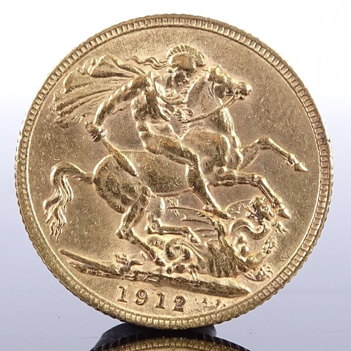 384 - A 1912 gold sovereign...