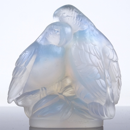 67 - JOBLINGS - opalescent glass lovebirds, engraved signature, height 10.5cm...