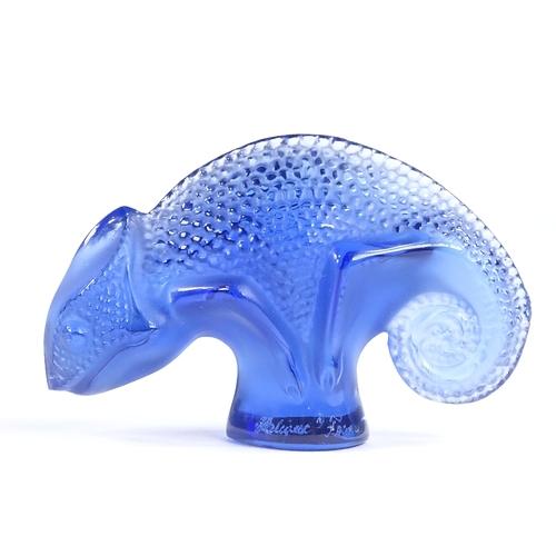 74 - LALIQUE - blue moulded glass chameleon, engraved signature, length 6.5cm...