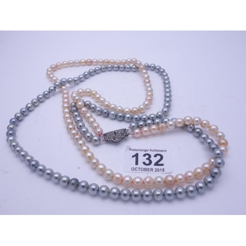 132 - Double knotted string of pearls on a 925 clasp, 30