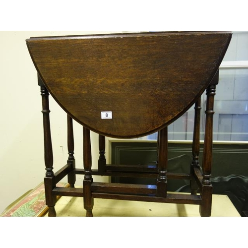 8 - Oval topped gate leg table, with spider legs...