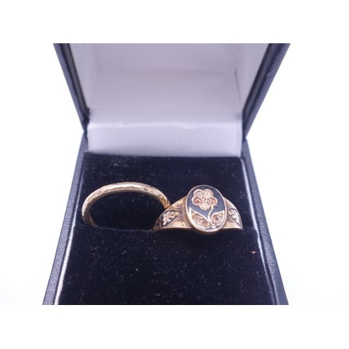 86 - 22ct GOLD ring, 2 grams and a 9ct GOLD wedding band 1.5 grams,...