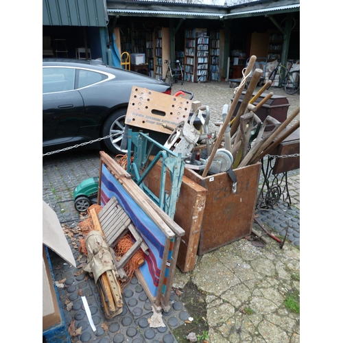 26 - Large collection of assorted Garden Tools...