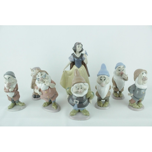 10 - Lladro 'Snow White & The Seven Dwarfs' From the Disney Collection to include Snow White Model 010075...