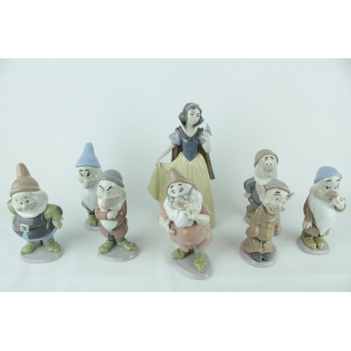 11 - Lladro 'Snow White & The Seven Dwarfs' From the Disney Collection to include Snow White Model 010075...