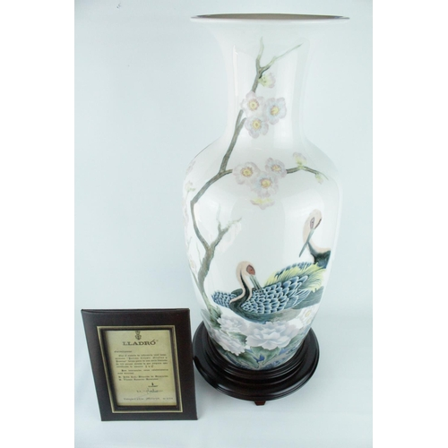 2 - Lladro 'Peacock Vase', Limited Edition 146 of 300, Sculptor: Alfredo Ruiz, Artist: V. Navarro. Model...