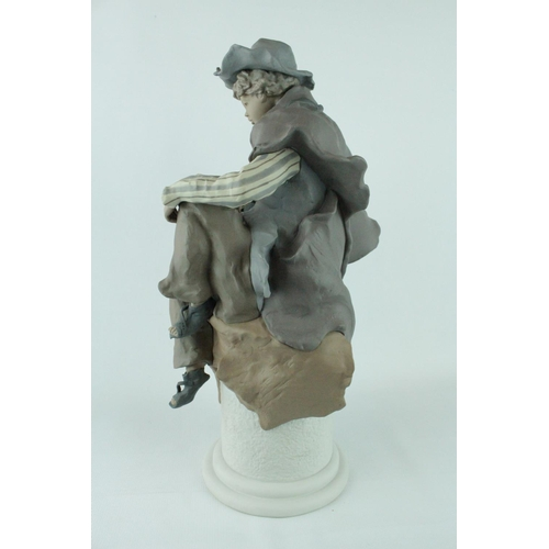 30 - Lladro Goyesca 'My Only Friend', Limited Edition 44 of 200, Sculptor: Enrique Sanisidro. Model 01011...