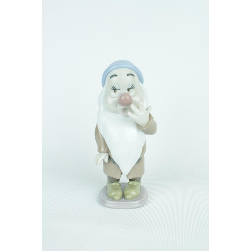 12 - Lladro 'Sleepy', From The Disney Snow White and the Seven Dwarfs collection , Sculptor: Francisco Ca...