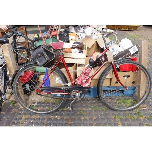 40 - Vintage Raleigh Ladies Cycle...