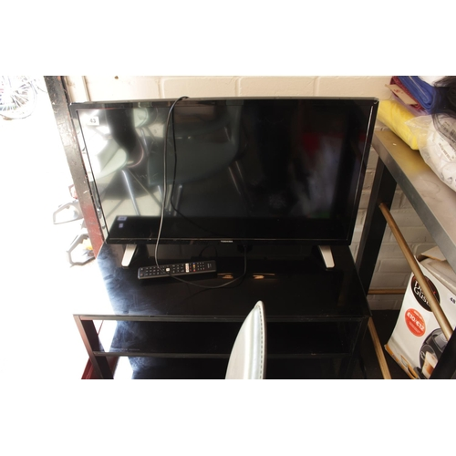 43 - Toshiba 32'' LCD Tv with remote...