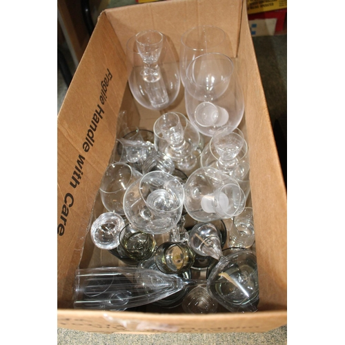 199 - Box of assorted Edwardian and later Glassware...