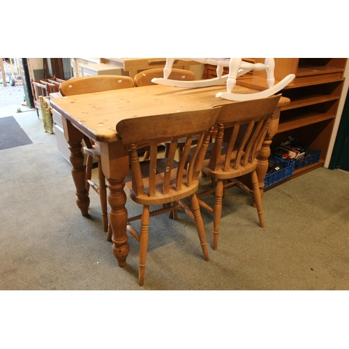 41 - Pine Farmhouse kitchen table with 4 Pine Chairs...