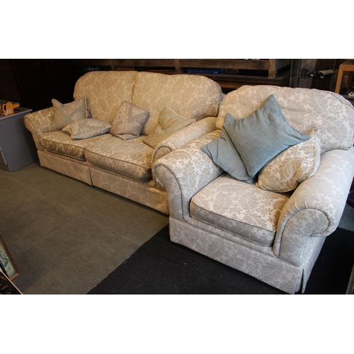 41 - 3 Piece Cream floral upholstered Sofa Suite...