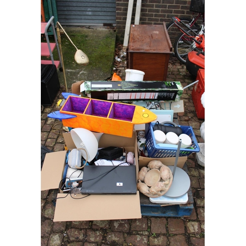 6 - Pallet of assorted House clearance items...