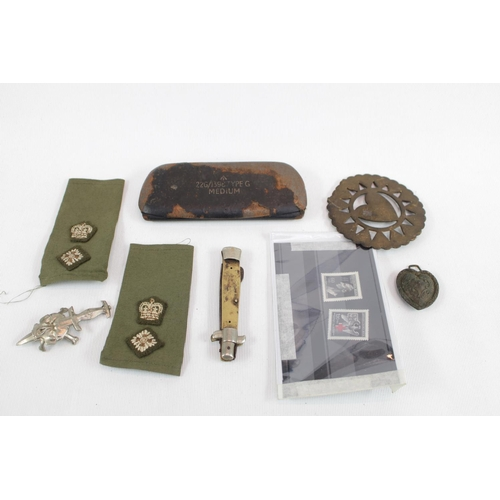 135 - Tray of assorted Militaria items inc. Stamps, Lapels etc...