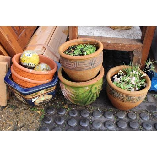 16 - Collection of Garden pots...