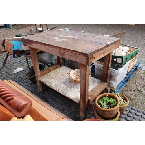 17 - Heavy construction Workbench with under tier...