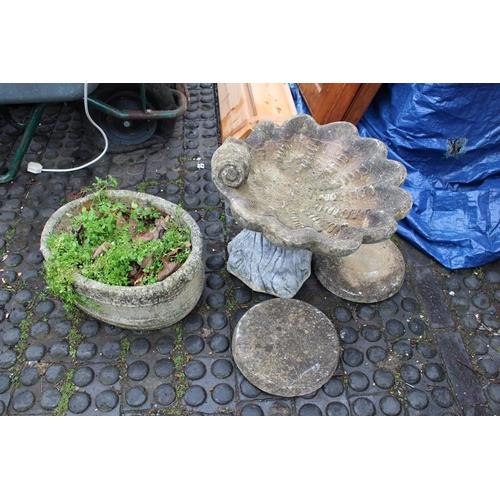 40 - Collection of Garden Pots etc...