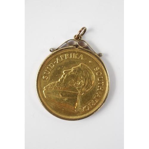 321 - 1974 Krugerrand 1oz in 9ct Gold Pendant Mount...