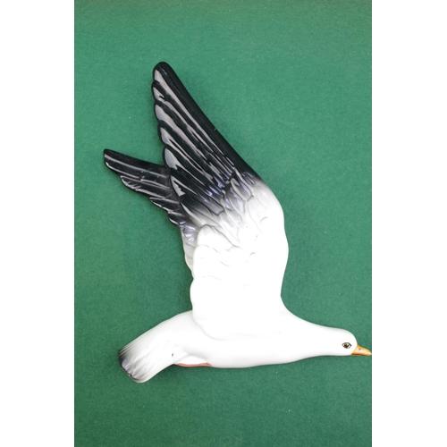 7 - Beswick Seagull wall plaque Model 922-2...