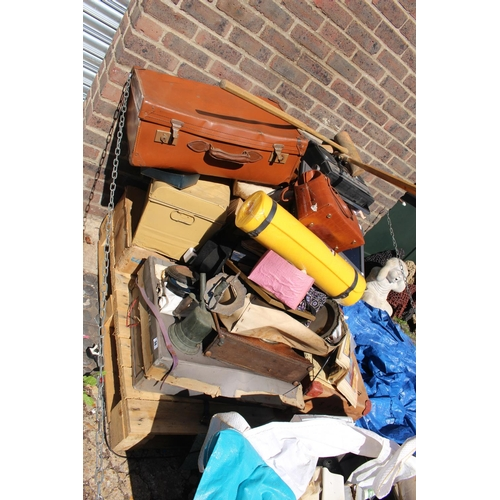 34 - Pallet of assorted house clearance cermaics and bygones...