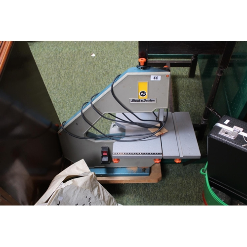 44 - Black & Decker Band Table top Band Saw with extra blades...