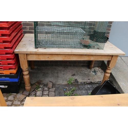 5 - Pine Farmhouse Kitchen table on turned legs...