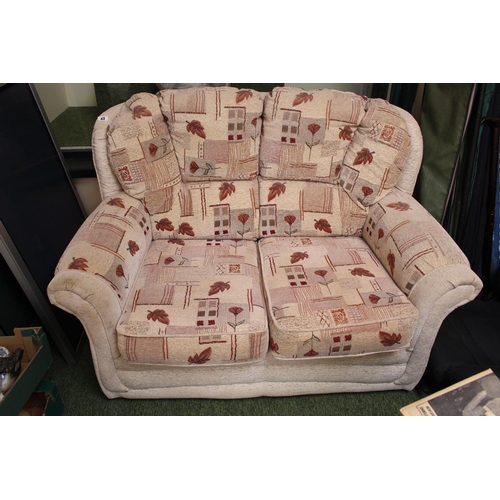 43 - 2 Seater upholstered Sofa of beige ground...