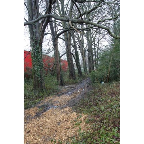 6 - Plot of Land Tilgate Lane / Russell Way- Crawley- RH10 1UH    Freehold plot of land with lane fronta...