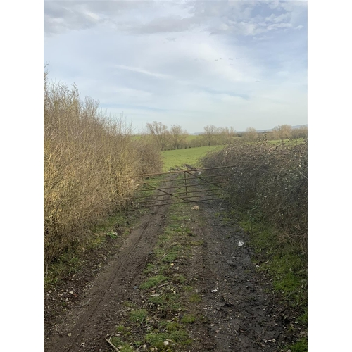 18 - Plot A1- Wingrave Cross Roads Aylesbury Road- Buckinghamshire- HP22 4RH  Guide price- £ 25,000 Guide...