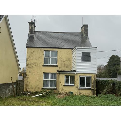 29 - Bridge Street Ballmacasy Ballylongford Co Kerry Ireland V31 XW93   Guide price: £50,000 Guide plus ...