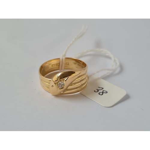 38 - AN ANTIQUE DIAMOND SET SNAKE RING IN 18CT GOLD - MARKED CHESTER 1918 - size T