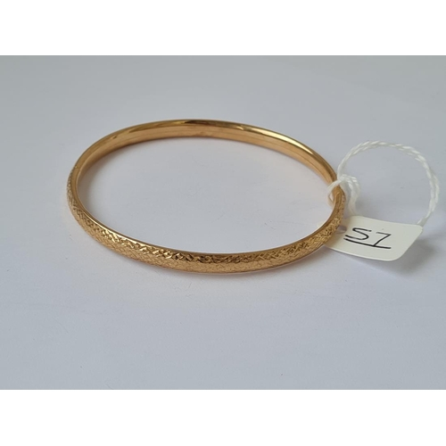 57 - A gold bracelet / bangle in 9ct - 5.47gms