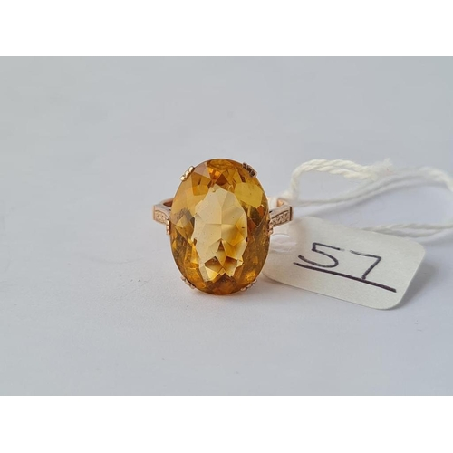 57 - A vintage citrine ring in 9ct - size N.5 - 4.9gms